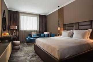 Бест Уестърн Хотел Експо  София на бул. Цариградско шосе е напълно реновиран с нов външен вид и стил през 2019 г.